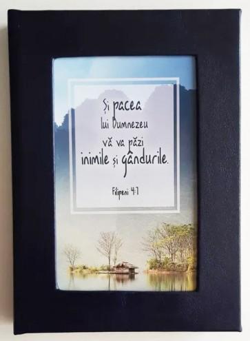 """Agendă nedatată. """"Și pacea lui Dumnezeu..."""" (bleumarin)"""